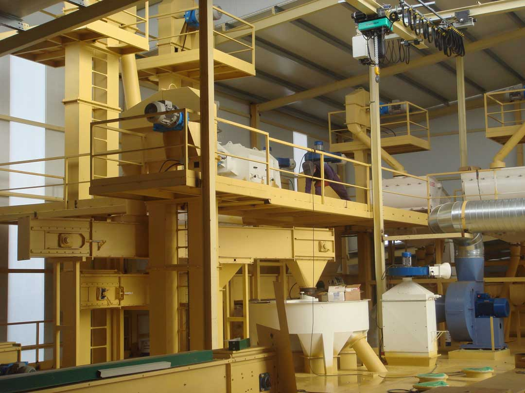 https://mgnfeedmills.com/images/pages/processes/material-handling/TRANSPORTE-Y-DISTRIBUCION-1.jpg