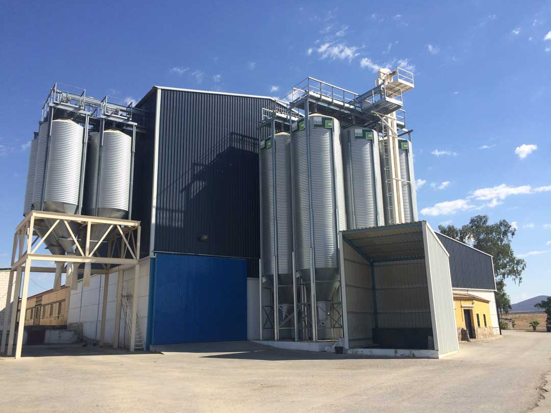 https://mgnfeedmills.com/images/pages/products/storage/intake-pits/PIQUERAS-benito-ruiz-gonzalez-1.jpg